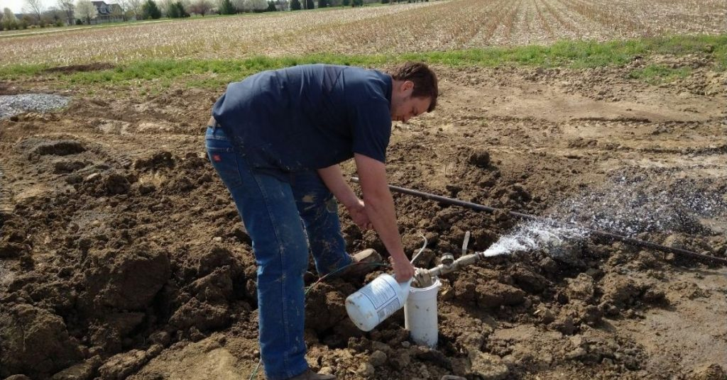 Clorinating a Water Well